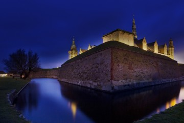 Kronborg Castle night view front profile