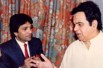 moin akthar with bollywood king dilip kumar front profile