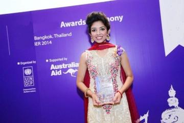 Mona Prakash Mahtani win commonwealth award front profile