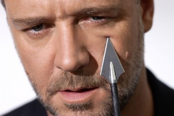 RUSSELL CROWE front profile