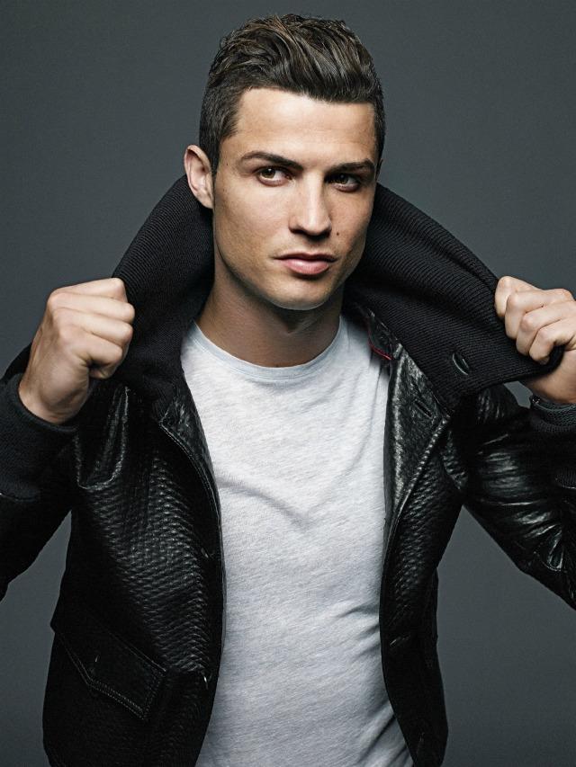 Cristiano Ronaldo wear black jecket