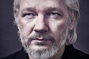 Julian Assange front profile