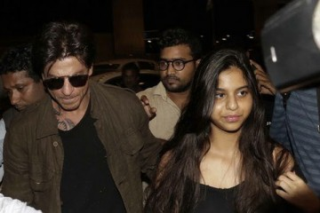 bollywood superstar Shah Rukh Khan walking in airport