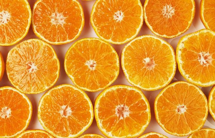 oranges front view