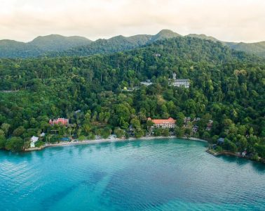 American Faces Two Years in Prison for Posting Negative Review of Thai Sea View Resort